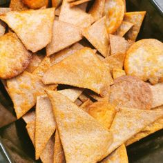 Lavkarbo nacho chips - tortillachips - sprø chips perfekt til nachos! Nacho Chips, Tortilla Chips, Nachos, Lchf, Snack Recipes, Oreo, Food, Tips, Snack Mix Recipes