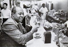 Activist James Farmer eating at a southern lunch counter 1965 Us History, American History, Cream Soda, Ice Cream, Out To Lunch, Jim Crow, Civil Rights Movement, Bus Stop, Gelato