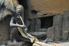 Fumador de la etnia Taneka