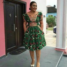 I have made up my mind, I've found the look I want and I think these Ankara styles are a must see so enough talk, just scroll down to check them out African Fashion Ankara, Latest African Fashion Dresses, African Dresses For Women, African Print Dresses, African Print Fashion, Africa Fashion, African Attire, African Wear, African Women