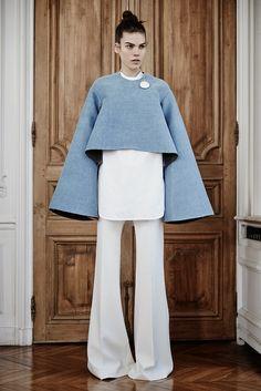 http://2.bp.blogspot.com/-rFcb3F79ePo/VP6hTnrUoGI/AAAAAAAAndE/tgF_A3EC6QY/s1600/Ellery_18_1366.jpg Winter Colors, Fall Winter 2015, Runway, Street Style, Pants, Shirts, Tops, Dresses, Bell Sleeve Top