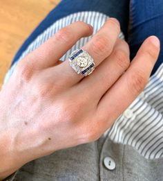 Diamond rings 520025088224559843 - Source by doysonville Cool Wedding Rings, Wedding Ring Designs, Rings Cool, Trendy Fashion Jewelry, Fashion Bracelets, Fashion Rings, Pave Ring, Ring Verlobung, Rose Gold Diamond Ring