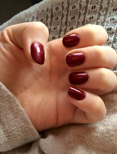 Essie - Thigh high Perfect Christmas Nail Polish with glitter
