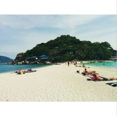 Imagine a strip of white sand with crystal blue water on both sides. This is a stunning little #island called #KohNangyuan which was the end point of the #snorkeling trip for Upaasna.