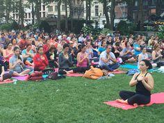 Yoga en Bryant Park, NYC