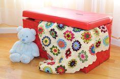 ROSES and DAISES granny square baby blanket by AleksandraNagrant. $125.00, via Etsy.