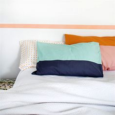 Sew a colour block pillowcase in less than an hour. Easy step-by-step tutorial with full photos.