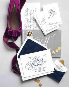 斬新…!封筒にベロア素材☆ ネイビーの結婚式招待状のまとめ。センスがいい招待状一覧。