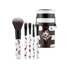 SEPHORA COLLECTION Izak Brush Set ($13) ❤ liked on Polyvore featuring beauty products, makeup, makeup tools, makeup brushes, beauty, make, maquillaje, foundation makeup brush, powder brush and foundation brush