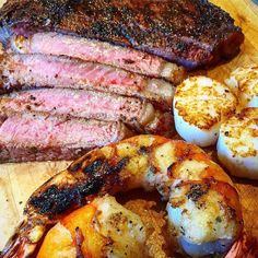 """2,575 Likes, 19 Comments - Tim Van Doren (@bamagrillmaster) on Instagram: """"Now This Guy knows how to do a Surf and Turf!!! . Pic courtesy of @hooked_on_bbq """"Here's a…"""""""