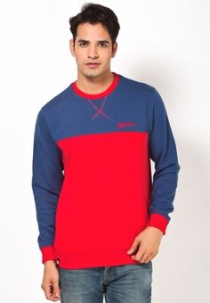 You just can't have enough of cool and comfortable sweatshirts in your winter wardrobe. Understanding the same, Maxxport offers this trendy red & blue sweatshirt that will make a great addition to your existing collection. Made from polycotton, this regular-fit sweatshirt will not only keep you warm, but stylish as well.        Type Sweatshirts   Fabric Cotton Rich   Sleeves Full Sleeve   Neck Round Neck   Fit Regular   Color Red & Blue