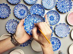 Alisa Burke doodling on plates