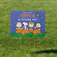 Charlie Brown and Gang Pumpkin 1st Birthday Sign: Charlie Brown and Gang Pumpkin 1st Birthday Sign $28.75 by peanuts 1st Birthday Signs, Fall Birthday, Baby 1st Birthday, Snoopy Birthday, Peanut Baby Shower, Baby Shower Fall, Baby Shower Signs, Pumpkin 1st Birthdays, First Birthdays