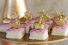 Doces temáticos, coroas, princesas