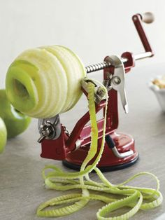 apple peeler - perfect for making apple pies http://rstyle.me/n/byvezpdpe