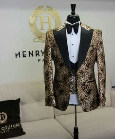 Prom Suits For Men, Best Suits For Men, Cool Suits, Mens Suits, Wedding Dress Men, Wedding Suits, Mens Fashion Wear, Fashion Outfits, Man Dress Design