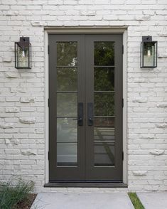 New French Door Exterior Front Porches Bricks Ideas Front Door Lighting, Front Door Entrance, Exterior Front Doors, Exterior Paint, Exterior Design, Garage Lighting, Garage Door Lights, Exterior Door Colors, Cafe Exterior