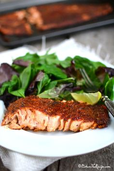 How to make Blackened Salmon (Homemade Seasoning) This easy homemade blend of herbs and spices is the ideal seasoning for Salmon and other meats. Salmon Recipes, Fish Recipes, Seafood Recipes, Cooking Recipes, Healthy Recipes, Skinny Recipes, Delicious Recipes, Salmon Seasoning, Blackened Seasoning