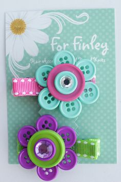 button flower clips.... auntie @Billie Jo Norsworthy Abercrombie you should make these for Adasyn in different colors!!!!!!!!
