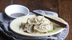 Appetizer Recipes Discover Steamed Pork Dumplings Recipe Who doesnt love delicious savory steamed pork dumplings? Skip the takeout line (and bill) and make this recipe at home! Pork Wonton Recipe, Wonton Recipes, Pork Recipes, Asian Recipes, Appetizer Recipes, Cooking Recipes, Asian Desserts, Appetizers, Ethnic Recipes