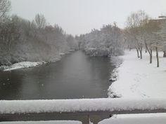 Carrión de los condes, nieve hoy 27 de Febrero de 2013 sobre el río. Palencia (España-Spain) Camino de Santiago.