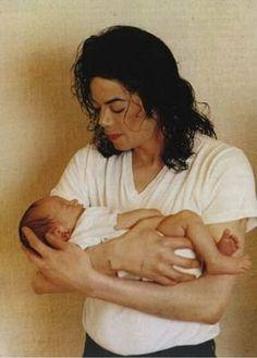 The best ded Paris Jackson, Mike Jackson, Jackson Family, Michael Jackson's Son, Michael Jackson Pics, Lisa Marie Presley, Elvis Presley, Mj Kids, Angeles
