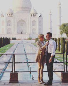 «Je voudrais pouvoir t'exprimer par des mots le sens nouveau que tu m'as fait découvrir en eux ! Je voudrais surtout pouvoir mettre toute mon âme dans mes yeux et te regarder indéfiniment, jusqu'à ma mort !» ♥️ — Maria Casarès Merci à @stayphanie_g pour la citation  #emmanuelmacron #macron #president #frenchpresident #france #brigittemacron #brigitte #bribrifirstlady #firstlady #amour #love #india #agra #tajmahal #voyage #couplepresidentiel #likeforlike #photography #photooftheday…