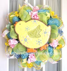 Easter/Spring Deco Mesh Wreath #decomesh #wreath #Easter