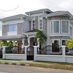 House Idea Modern Exterior House Designs, Classic House Exterior, Dream House Exterior, Modern House Design, Exterior Design, House Fence Design, Two Story House Design, 2 Storey House Design, Bungalow House Design