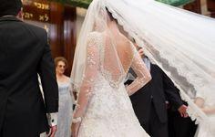 Detalhes do vestido feito pelo estilista Paulo Dolce.