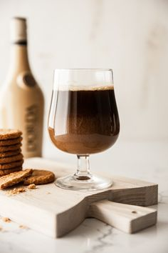 First, it's salty. Then it's sweet. Dorda Sea Salt Caramel is the perfect addition to your recipe. National Beer Day, Salted Caramel Cookies, Sea Salt Caramel, Caramel Recipes, Cold Brew, Coconut Flakes, Milkshake, Alcoholic Drinks, Homemade