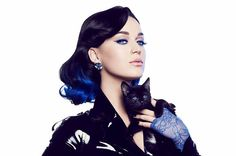 "Katy Perry's Twitter Account was hacked and leaked demo track ""Witness"" / Katy PerryのTwitterのアカントがハッキングされ、デモ曲「Witness」がリークされる事件があった。"