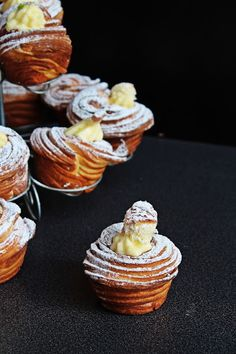 Csak, mert szeretem... kreatív gasztroblog: CRUFFIN Eclairs, Coffee Cake, Pastries, Baked Goods, Yummy Treats, Muffins, Bread, Cakes, Baking