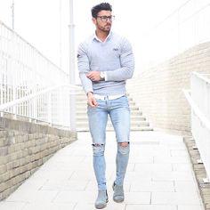 Making my way to dinner with @superdryglobal celebrating their #SuperdrySport collection for #SuperdryLCM Jumper - @superdryglobal Boots - @superdryglobal #LCM #mensfashion #worldwide #london #regentstreet #oxfordstreet #blogger #fashion #fashionista