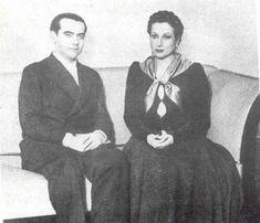 Federico García Lorca y Margarita Xirgu vestida de Yerma. Madrid, 1934.