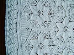 knellieknits' Mountain Laurel Crib Counterpane with an improvised border, corner.  Ravelry & Flickr. hexes and triangles. by meginthebox