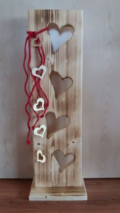 Table lamps - heavy stable wooden board rustic with hearts - a designer piece . - Table lamps – heavy stable wooden board rustic with hearts – a unique product by FILZ_HOLZ_und_ - Woodworking For Kids, Woodworking Workshop, Custom Woodworking, Woodworking Projects Plans, Highland Woodworking, Project Table, Kids Wood, Wood Creations, Wood Crafts