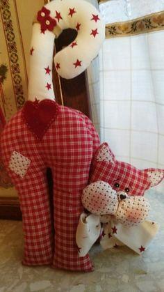Die modischsten eleganten und kreativsten Kissen – New Ideas Sewing Toys, Sewing Crafts, Sewing Projects, Sewing Stuffed Animals, Stuffed Animal Patterns, Fabric Toys, Fabric Crafts, Cat Crafts, Diy And Crafts