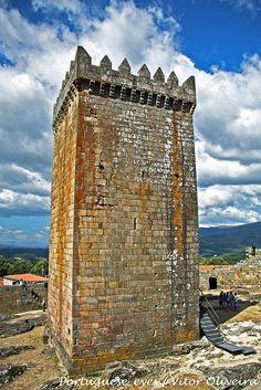 Castelo de Melgaço - Portugal, via Flickr.