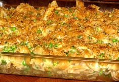 Chicken and Veggie Mac and Cheese Casserole- 392 calories. You have your protein, your veggies and your carbs all in one. Plus lots and lots of CHEESE :) Make for the family tonight and have leftovers for lunch tomorrow. Mac And Cheese Casserole, Macaroni And Cheese, Mac Cheese, Baked Macaroni, Casserole Recipes, Casserole Ideas, Veggie Casserole, Chicken Casserole, Healthy Chicken Pasta
