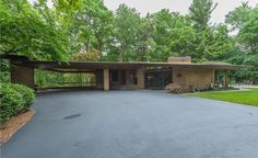 Spectacular Midcentury Modern, Designed by Harold Turner, Lists in Bloomfield Hills - Curbed Detroit Mid Century Art, Mid Century Decor, Mid Century House, Mid Century Furniture, Organic Architecture, Interior Architecture, Interior Design, Turner House, Bloomfield Hills