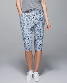 NWT Lululemon Retreat Yogi Crop Yoga Pants Star Crushed Silver Fox Capri Size 8 #Lululemon #PantsTightsLeggings