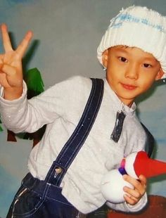 Baby Pictures, Baby Photos, Kpop, A Love So Beautiful, Kids Around The World, Childhood Photos, Crazy Kids, Kid Memes, Lee Know