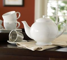 love this simple teapot!  It's actually one I have already owned and would like to replace.