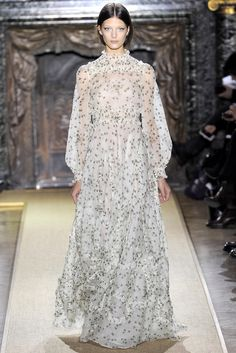 Valentino - Spring 2012 Couture - Look 1 of 43