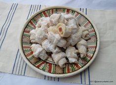 cornulete fragede reteta pas cu pas Unt, Camembert Cheese, Dairy, Chicken, Food, Eten, Meals, Cubs, Kai