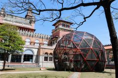 Que tal aproveitar e conhecer alguns museus de São Paulo que possuem jardins. Os espaços são excelentes para descansar, se divertir ou mesmo fazer um piquenique em um belo jardim, após visitar os m...