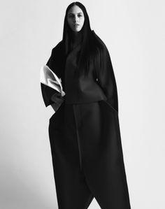 Lida Fox in Comme des Garçons by Johan Sandberg for Rodeo fall 2012 #fashion #avantgarde #dark #Minimal #simple #black #vintage #Elegent #wrinkle