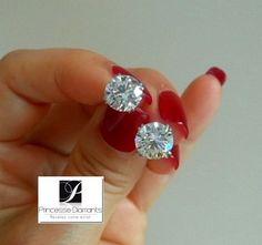Boucles d'oreilles femme diamants. http://www.princessediamants.com/categorie-boucles-d-oreilles-or-jaune-126.htm #boucles-oreilles-or-jaune-femme : #PrincesseDiamants  bijouterie, joaillerie de vente de #BijouxDiamants  vous propose sa collection de #Boucles-d-oreilles-or-jaune. Pour illuminer le visage de l'être qui vous est cher, offrez lui des #Boucles_d_oreilles_or_jaune, #boucles_d_oreilles_or_jaune_diamants à offrir pour #noël , la #saint-valentin