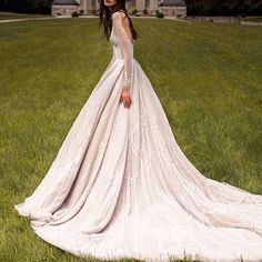 #paolosebastian gown #eveninggown #eveingdress #ballgown #hautecouture #lace #beading #beaded #beadeddress #beadedlace #wedding #weddingdress #weddinggown